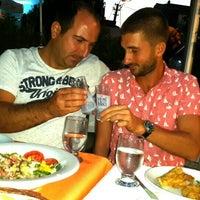 9/25/2015 tarihinde Birkan K.ziyaretçi tarafından Bogaz Balik lokantasi Rumeli kavagi'de çekilen fotoğraf
