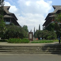 Photo taken at Institut Teknologi Bandung (ITB) by Fariz A. on 3/13/2013