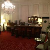 Photo taken at Villa Carlotta Hotel Florence by Sergio001aa on 4/12/2014