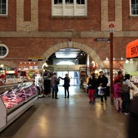 Foto tirada no(a) St. Lawrence Market (South Building) por Kelly G. em 3/14/2013