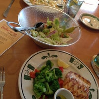 Photo taken at Olive Garden by Kelley T. on 4/13/2013