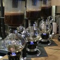 Снимок сделан в drip coffee | ist пользователем Sinan T. 3/23/2014