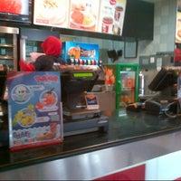 Photo taken at KFC by Poppy Indah N. on 4/30/2014