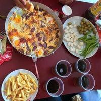 Photo taken at Pizza Pizza by Aybüke A. on 8/15/2015