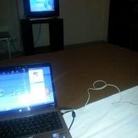 Foto diambil di Hotel Ratna oleh yadi s. pada 3/29/2013