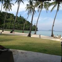 Photo taken at Phi Phi Island Village Beach Resort & Spa by Caro on 1/8/2013