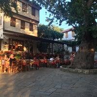 8/27/2017 tarihinde Doğaç B.ziyaretçi tarafından Kazaviti Traditional Restaurant'de çekilen fotoğraf
