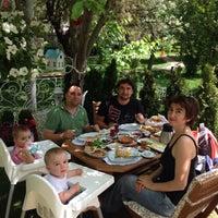 5/19/2015 tarihinde Aysema K.ziyaretçi tarafından Cafe Bi'Kavanoz'de çekilen fotoğraf