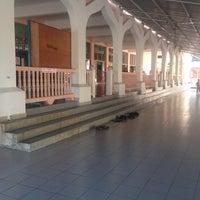 Photo taken at Masjid Ar Rahman Tenom by jemi p. on 12/9/2013