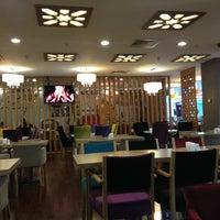 3/11/2013 tarihinde Savas K.ziyaretçi tarafından Ada Cafe Family Mall'de çekilen fotoğraf