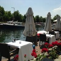 5/11/2013 tarihinde Pinar Y.ziyaretçi tarafından Göksu Marine Restaurant'de çekilen fotoğraf