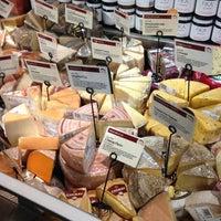 Foto tomada en Whole Foods Market por Pedro S. el 3/7/2013