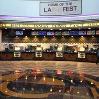 รูปภาพถ่ายที่ Regal Cinemas LA LIVE Stadium 14 โดย Michelle W. เมื่อ 4/11/2013