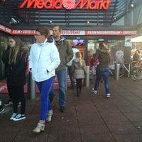 Photo taken at Media Markt by iSnowwhite on 11/21/2015