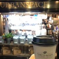 Photo prise au Toby's Estate Coffee par Hannah K. le10/4/2018