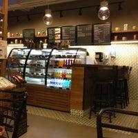 4/24/2013 tarihinde Sedat T.ziyaretçi tarafından Starbucks'de çekilen fotoğraf
