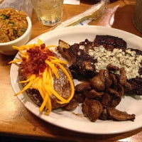Photo taken at Texas Roadhouse by Gerald B. on 3/30/2015