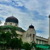 Foto scattata a Masjid al-Hasanah مسجد الحسنة da Saniah Mahmood il 1/13/2013