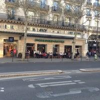 Foto tirada no(a) Starbucks Coffee por Laurent B. em 4/24/2013