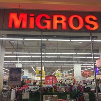 Foto diambil di Migros oleh Mcrae pada 9/16/2017