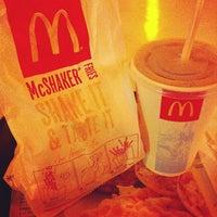 Photo taken at McDonald's / McCafé by Jayson G. on 11/2/2012