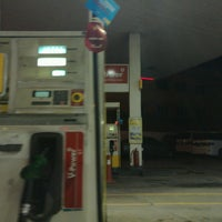 Photo taken at Shell Taman Maju Jaya by Firdaus M. on 3/1/2017