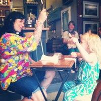 Foto scattata a The Random Tea Room da Rebecca G. il 6/12/2014