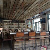 Foto tirada no(a) Bar Virage por Michael D. em 9/3/2014