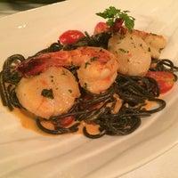 Photo taken at Zenzero Restaurant & Wine Bar by Selene T. on 4/20/2014