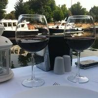 5/29/2013 tarihinde Sevecen O.ziyaretçi tarafından Göksu Marine Restaurant'de çekilen fotoğraf