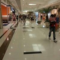 Foto tirada no(a) Shopping União por João Guilherme V. em 3/8/2013