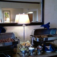 Photo taken at Club Lounge @ The Sheraton Park by Roy H. on 12/1/2013