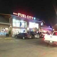 Das Foto wurde bei Fuel City von Devin G. am 4/7/2013 aufgenommen