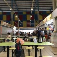 Photo taken at Telok Blangah Crescent Market & Food Centre by Kenny W. on 4/8/2017