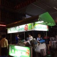 Photo taken at โจ๊ก จั๊บ เส้น บัตรคิว by Yutiwit D. on 2/9/2015