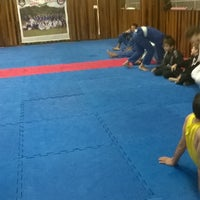 Photo taken at VO2 ARTES MARCIAIS by Trick® on 6/13/2014