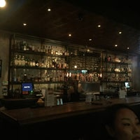 รูปภาพถ่ายที่ Jay's Bar โดย Michelle L. เมื่อ 11/28/2015
