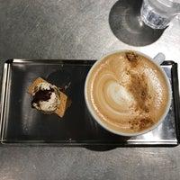 Photo prise au La Marzocco Cafe par Michelle L. le11/12/2017
