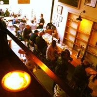 5/17/2013 tarihinde Steph B.ziyaretçi tarafından Bellwoods Brewery'de çekilen fotoğraf