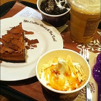 Photo taken at The Coffee Bean & Tea Leaf by Thani J. on 4/13/2013