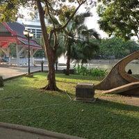 1/1/2013 tarihinde にゃりんこ こ.ziyaretçi tarafından Benchasiri Park'de çekilen fotoğraf