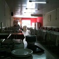 Photo taken at Restaurante Ponto Chic by Cezar S. on 5/30/2012