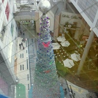 Photo taken at 神戸阪急 by Yoshiaki S. on 12/11/2011