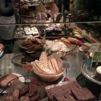 Das Foto wurde bei Flour Bakery & Cafe von Reinhard B. am 1/12/2012 aufgenommen