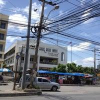 Photo taken at ไปรษณีย์ บางเสาธง 10542 by Oilezz N. on 6/11/2012