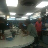 Das Foto wurde bei Bob's Diner von Bernard S. am 6/12/2012 aufgenommen