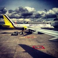 Das Foto wurde bei Terminal 1 von Nils K. am 4/23/2012 aufgenommen