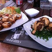 Photo taken at Sushi Itto by Alejandra G. on 1/31/2012