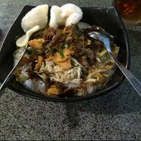 Photo taken at Bubur Ayam Bunda by Ndah d. on 2/26/2012