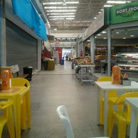 Foto tirada no(a) Mercado Municipal Penha por Viviane J. em 10/26/2011